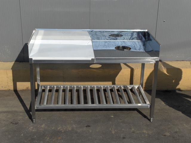 Etonnant Table For Cleaning Fish   Half Polyethylene, Half Stainless Steel